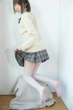 School Girl Japan, School Uniform Girls, Girls Uniforms, Japan Girl, Cute Asian Girls, Beautiful Asian Girls, Cute Girls, White Tights, Cute Japanese Girl