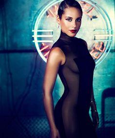 Alicia Keys tapped to deliver national anthem at Super Bowl XLVII