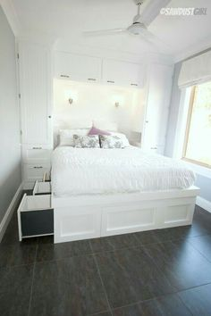 Beautifully maximizing space in a tiny bedroom with built in wardrobes and a platform storage bed - step by step directions - Bedroom Design Ideas Bedroom Built Ins, Built In Bed, Small Master Bedroom, Closet Bedroom, Home Bedroom, Bedroom Furniture, Bed In Closet, Tiny Closet, Bedroom Ideas