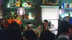 #preciosa #fiestadeinauguracion la de #anoche #beatiful#openingparty !!! @jack.percoca . Cómo se está poniendo el barrio!! #condeduque #condeduquegente#floristeriasmadrid#flordelola by flordelola2014