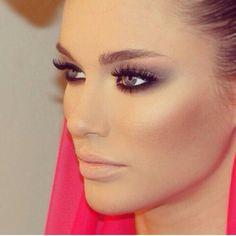 Amazing mesianic makeup