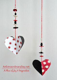 Hanging Paper Hearts Tutorial for Valentine's Day It's time to think about Valentine's Day. This is my tutorial on hanging paper hearts. Plus … it's a great project for a girlfriend. Valentines Bricolage, Easy Valentine Crafts, Valentines Day Decorations, Be My Valentine, Valentine Ideas, Valentine Hearts, Valentine's Day Crafts For Kids, Crafts To Make, Wrapping Ideas