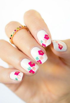 Simple Spring Nail Art White Polish Base With Flower Nile Art, nice short nails for spring ~ Pretty Nail Ideas