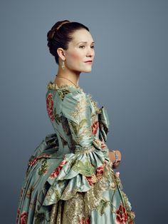 """Outlander S2 Claire Sermonne as """"Louise de Rohan"""""""