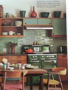 Home Decor Kitchen .Home Decor Kitchen Retro Kitchen Decor, Retro Home Decor, Kitchen Interior, New Kitchen, Kitchen Dining, Kitchen Ideas, Vintage Kitchen, Vintage Stove, Modern Retro Kitchen