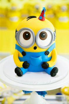 "Modern & Bright & In A Minion& Themed Birthday Party. ,Modern & Bright ""One In A Minion"" Themed Birthday Party, Minion Torte, Bolo Minion, My Minion, Cake Minion, Fondant Minions, Minions Minions, Lego Cake, Minecraft Cake, Funny Minion"