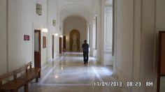 Il corridoio della facoltà di comunicazione sociale istituzionale al primo piamo del palazzo del PUCS
