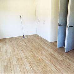 玄関/入り口/玄関/アンティークガラス/Dフロア メープル/Dフロア...などのインテリア実例 - 2017-01-25 01:11:30 | RoomClip(ルームクリップ) Hardwood Floors, Flooring, Tile Floor, Wood Floor Tiles, Wood Flooring, Tile Flooring, Floor