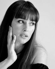 Monica Bellucci - rocking the bangs