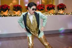 It's December 1st!! Nothing like a little #gangnamstyle to get you in the mood for the holidays! . . Planning/Coordination: @delmarevents Photo: @ginaclyne Venue: @loewshollywood . #koreanwedding #karaokewedding #gangnamstyleweddingdance #delmarevents #loewshollywood #loewshollywoodwedding #hollywoodwedding #hollywoodandhighland #hollywoodandhighlandwedding #holidaywedding #redandgoldpoinsettias #redpoinsettia #christmaswedding #decemberwedding #losangelesdecemberwedding