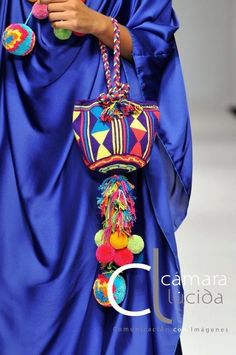 Unique Columbian Wayuu Mochila Bags For Ladies - Trend und Mode Love Crochet, Knit Crochet, Crochet Bags, Mochila Crochet, Tapestry Crochet Patterns, Crochet Patron, Ethnic Bag, Potli Bags, Neue Outfits