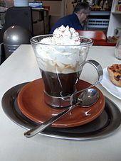 Der Kapuziner ist eine Kaffeezubereitungsart der Wiener Kaffeehaus-Kultur. Er ist ein kleiner Mokka mit wenigen Tropfen Schlagobers, die dem Kaffee die Farbe einer Kapuzinerkutte geben.