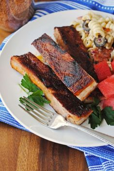 This dry rub baths pork ribs in smoky goodness long before they hit the grill or the oven. It's grilling season, right? Rub For Pork Ribs, Slow Cooker Ribs, Bread Bags, Dry Rubs, How To Cook Pork, Homemade Spices, Getting Hungry, Pork Dishes, Pork Belly