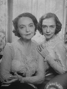 Lillian and Dorothy Gish (1/3/2014)  People  (Thanks, BSD.)  (CTS)