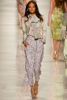 Etro Spring 2014 Ready-to-Wear Fashion Show - Andreea Diaconu