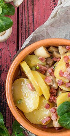 Frische Zutaten und ein würziger Geschmack. Genießen Sie herzhaft! Ganz schnell und einfach mit dem REWE Rezept für Kartoffelsalat mit Speck und Champignons »»  https://www.rewe.de/rezepte/kartoffelsalat-mit-speck-und-champignons/