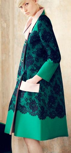 New dress brokat cape 59 ideas Modest Fashion, High Fashion, Winter Fashion, Fashion Dresses, Womens Fashion, Parka, Dress Brokat, Look Blazer, Creation Couture