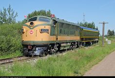 Canadian Railway Observations : Home Page National Railways, Canadian National Railway, Train Travel, Us Travel, Vintage Trains, Railroad Photography, Electric Train, Train Engines, Diesel Locomotive