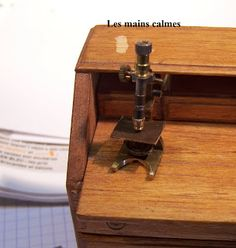 les mains calmes: Microscope shows how it was made lots of ideas