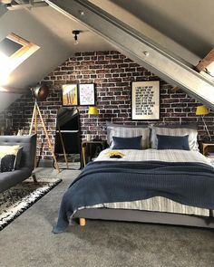 65 Charming Rustic Bedroom Ideas and Designs Here we have an interesting rustic decor design Attic Bedroom Designs, Attic Bedroom Small, Attic Bedrooms, Bedroom Ideas, Attic Bedroom Decor, Bedroom Interiors, Extra Bedroom, Attic Bathroom, Decor Room