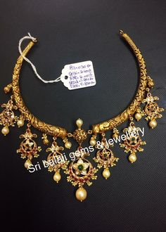 Buy Jewellery Online in India Indian Wedding Jewelry, Indian Jewelry, Bridal Jewelry, Trendy Jewelry, Fashion Jewelry, Buy Jewellery Online, Gold Jewellery Design, Gold Jewelry, Gold Necklace