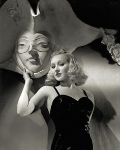 Betty Grable by Hurrell 1937 [photo: George Hurrell's Hollywood (Running Press)]