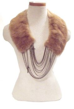 DIY fake fur necklace by My Vintage Secret