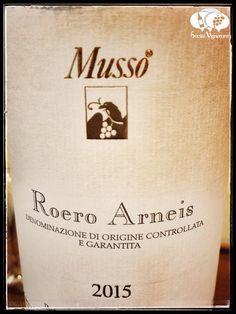 2015-musso-roero-arneis-piedmontitaly-white-label-closeup-wine-review-social-vignerons