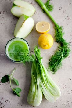 Fennel Apple Celery Lemons Green Lemonade | Juicing for Health