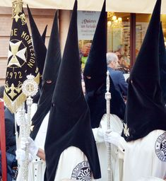 Photos from the processions taking place in Seville during Semena Santa People Around The World, Around The Worlds, Calling Cards, 2017 Photos, Seville, Granada, Occult, Catholic, Memories