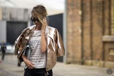 Golden ticket via #ImKoo #Givenchy #streetstyle #fashion #jacket #chaqueta #dorado #moda #outfit