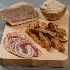 Shop our selection of Gourmet Food Gifts and have the finest gourmet foods delivered right to your door! Gourmet Food Gifts, Gourmet Recipes, Charcuterie Gifts, Cheese Baskets, This Little Piggy, Spectrum, Paradise, Brunch, Range