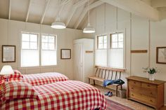 (Guesthouse 2 of 4) Fabulous little guesthouse & bathhouse—great design—cute & comfortable twin-bed room❣  Richardson Architects - San Francisco