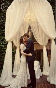 Wedding alter. This would be pretty on the balcony