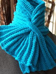 Ravelry: Ribbed Keyhole Scarf pattern by Grace Mcewen