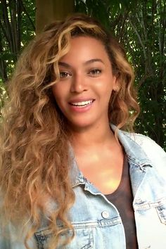 This is how blonde I wanna be. And how blonde I'm gonna go. Thanks Queen Bey, for inspiring mey', once again.