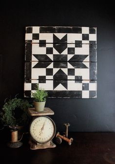 One of our most popular barn quilts, The Pointed Arrow barn quilt comes in three standard sizes and Each one is hand painted and aged to look perfectly vintage. Custom colors available upon request. Barn Quilt Designs, Barn Quilt Patterns, Quilting Designs, Quilting Ideas, Block Patterns, Sewing Patterns, Zantangle Art, Painted Barn Quilts, Barn Signs