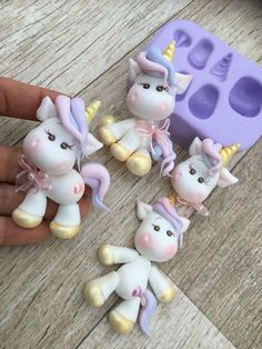 Super cute unicorn mold Fimo Clay, Polymer Clay Crafts, Fimo Kawaii, Fondant Animals, Cute Clay, Clay Ornaments, Clay Figures, Polymer Clay Creations, Unicorn Birthday Parties