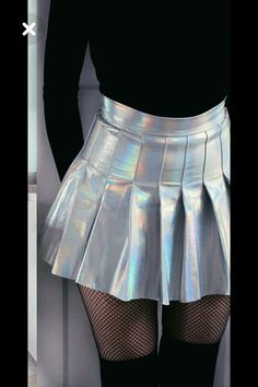 A collection of pictures of ladies wearing pleated mini skirts. Skirt Outfits, Cute Outfits, Sexy Rock, Holographic Fashion, Skirt Fashion, Fashion Outfits, Silver Skirt, Tennis Clothes, Pleated Mini Skirt