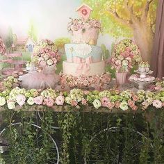 New Ideas Baby Shower Decorations For Girls Butterflies Baby Shower Photo Booth, Boy Baby Shower Themes, Baby Shower Parties, Baby Shower Decorations, Garden Birthday, Fairy Birthday Party, Birthday Party Themes, Enchanted Forest Party, Cake Table Birthday