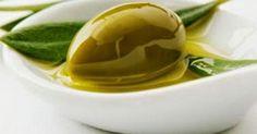 Υγεία - Tο ελαιόλαδο είναι μια από αυτές τις μαγικές ουσίες που είναι καλή σχεδόν για τα πάντα, τη διατροφή, το δέρμα, τα χέρια και τα νύχια, αλλά και για τα μαλλι
