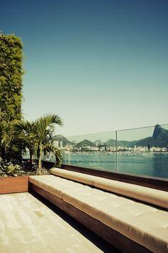 (a modest little house on the bay.) A Penthouse By Arthur Casas In Urca, Rio de Janeiro, Brazil Outdoor Seating, Outdoor Spaces, Outdoor Living, Exterior Design, Interior And Exterior, Glass Balustrade, Glass Handrail, Steel Balustrade, Pent House