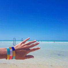 ✖️ARMPARTY - HOLIDAYS✖️ Les Joncs TAO en vacances sur une plage de sable blanc au Mexique  Un #mixoftheday canon ! ✨ Merci @_audej_ #beach #girl #love #eyes #beautiful #happy #plage #passion #sunset #giveaway #concours #fashion #vacances #belle #amour #holiday #instatravel #boho #instacool #wanderlust #travel #picoftheday #bikini #like4like #cute #l4l #fashionista #follow Tao, Arm Party, 21st, Jewels, Trending Outfits, Beach, Instagram Posts, Trends, Summer