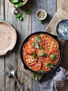 Zdrowy i lekki obiad dla rodziny z kaszą. Serowa zapiekanka. Sprawdź! Chilli, Vegetable Dishes, Paella, Curry, Food And Drink, Vegetables, Cooking, Ethnic Recipes, Blog