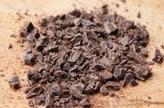 Briose cu ciocolata - Desert De Casa - Maria Popa Deserts, Candy, Cooking, Kitchen, Postres, Sweets, Dessert, Candy Bars, Brewing