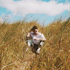 "James Reid on Instagram: ""500k+ views in 4 days! We appreciate the support guys let hit a MIL! #SummerMVOutNow"" Nadine Lustre Makeup, James Reid Wallpaper, James 1, Jadine, Music Labels, Asian Celebrities, Real Life, Appreciation, Beautiful Pictures"