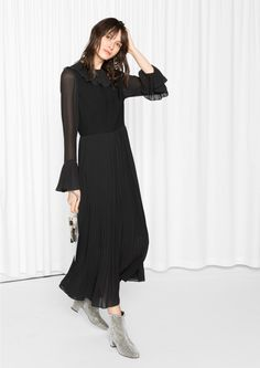& Other Stories image 2 of Pleat Maxi Dress in Black