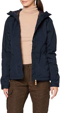 Für mich die perfekte Jacke  Die Kiruna Padded Jacke von Fjällräven ist eine robuste Alltagsjacke, die wind- und wasserabweisend ist. Durch das G-1000-Gewebe und die leichte Kunstfaserfüllung aus G-Loft Supreme bietet sie eine hervorragende Wärmeleistung. Die Jacke hat eine verstellbare Kapuze, die Kopf und Hals wärmt. Eine Brusttasche und zwei Einschubtaschen runden das stimmige Gesamtkonzept ab.. Verstellbare Kapuze G-1000 Original 65% Polyester, 35% Baumwolle Kiruna Padded Modellnummer… Padded Jacket, Supreme, Rain Jacket, Windbreaker, Raincoat, Winter Jackets, Fashion, Cowl, Scale Model