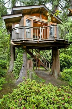Love this deck idea for the Master Bedroom on a Tree house.