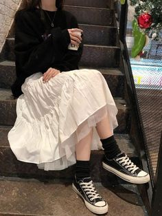 Swaggy Outfits, Cute Casual Outfits, Pretty Outfits, White Skirt Outfits, Maxi Skirt Outfits, Long Black Skirt Outfit, Moda Aesthetic, Aesthetic Clothes, Aesthetic Beauty